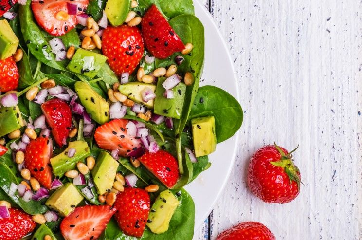 salad-with-avocado-oil-dressing-e1459819376246.jpg
