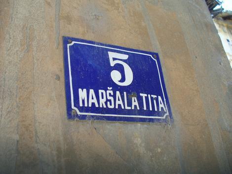 Tabla u Ulici maršala Tita
