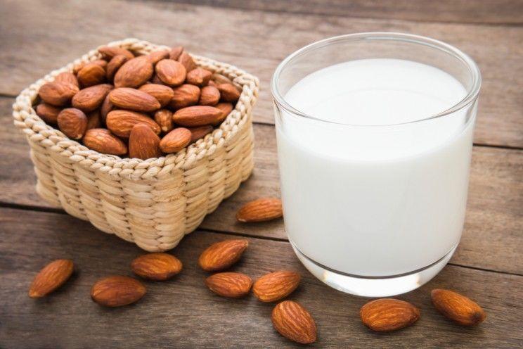 almond-milk-what-is-it-e1456360207837.jpg
